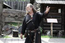 Jarl zaprasza na sagę w Długim Domu Wikingów