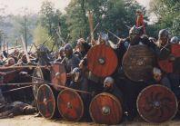 Stara Baśń - kiedy słońce było bogiem - ściana tarcz wikingów