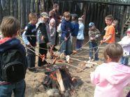 Wizyta w Warowni Jomsborg - pieczenie kiełbasek