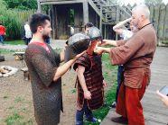 Przebieranie za wikinga - jedna z atrakcji w czasie imprez integracyjnych